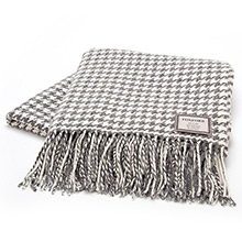 Foxford Houndstooth Double Twill Oxford Grey & White Throw
