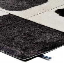 Kymo The Rare Soul Premium Rug White & Black 4020