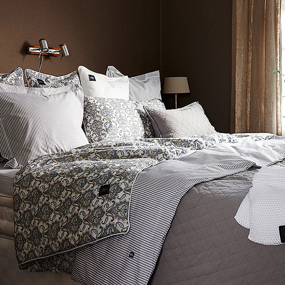 Grand Design Classic Quilt Bedspread Throwover Sand In