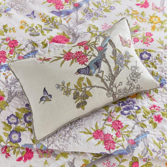 V Amp A Chinese Bluebird In Co Ordinated Duvet Covers At